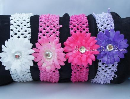Crochet Headband With Dainty Daisy